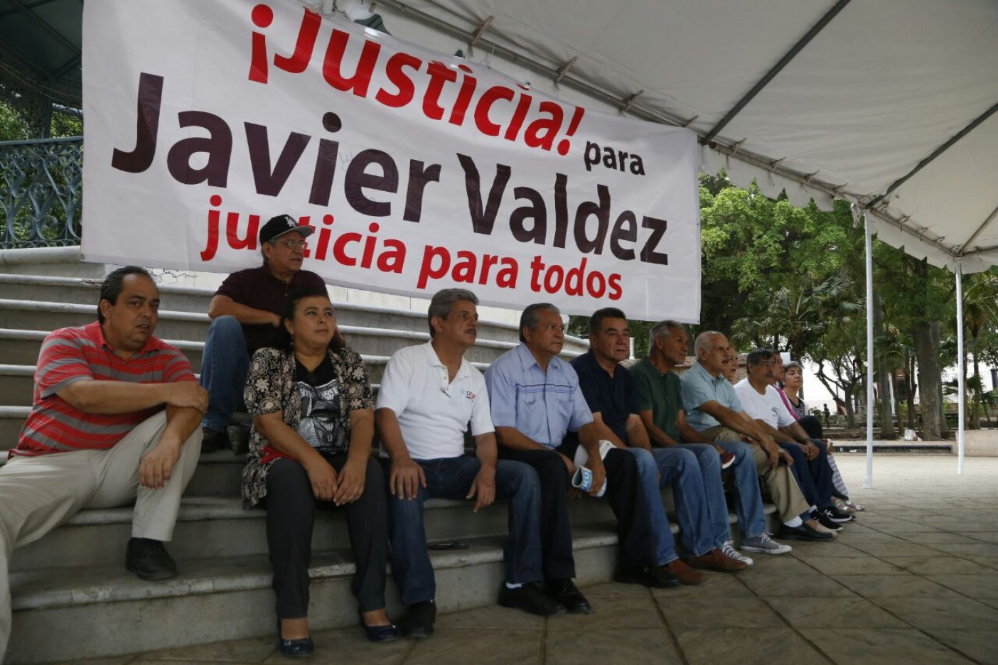 Exigen esclarecer asesinato del periodista Javier Valdez