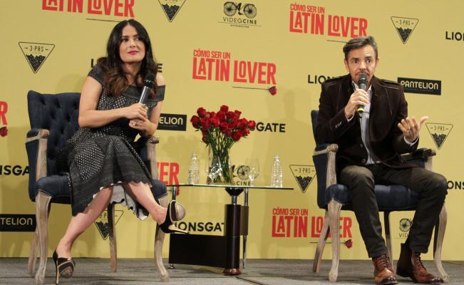 Exitoso estreno de Cómo ser un latin lover en México — Televisa