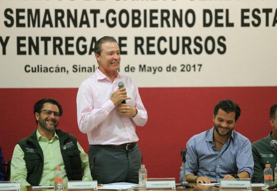 Peña Nieto condena el asesinato del periodista Javier Valdez