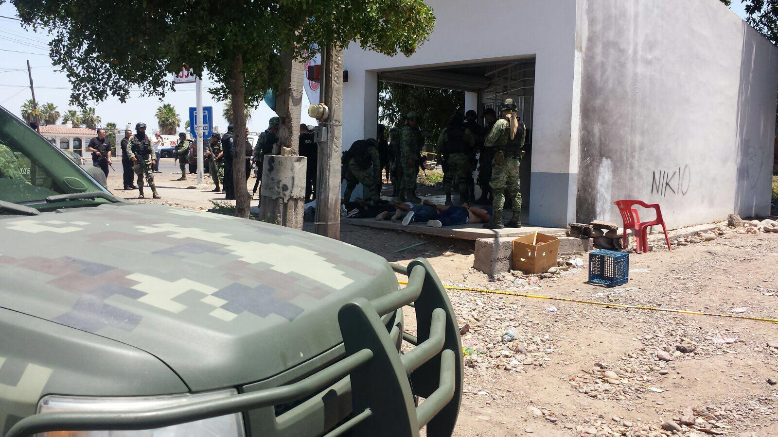Comando armado ataca a militares en Sinaloa