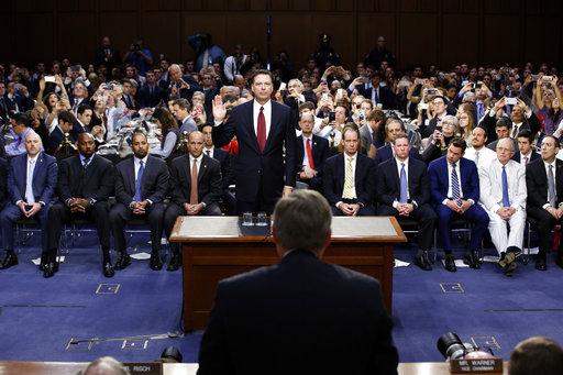 Trump contraataca y asegura que exdirector del FBI dice