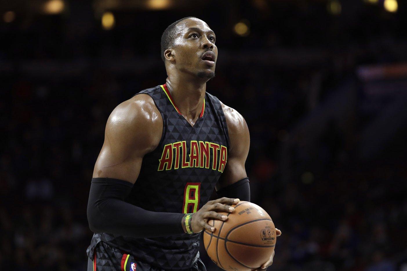 Hornets reciben a Howard y Wade se queda en Chicago