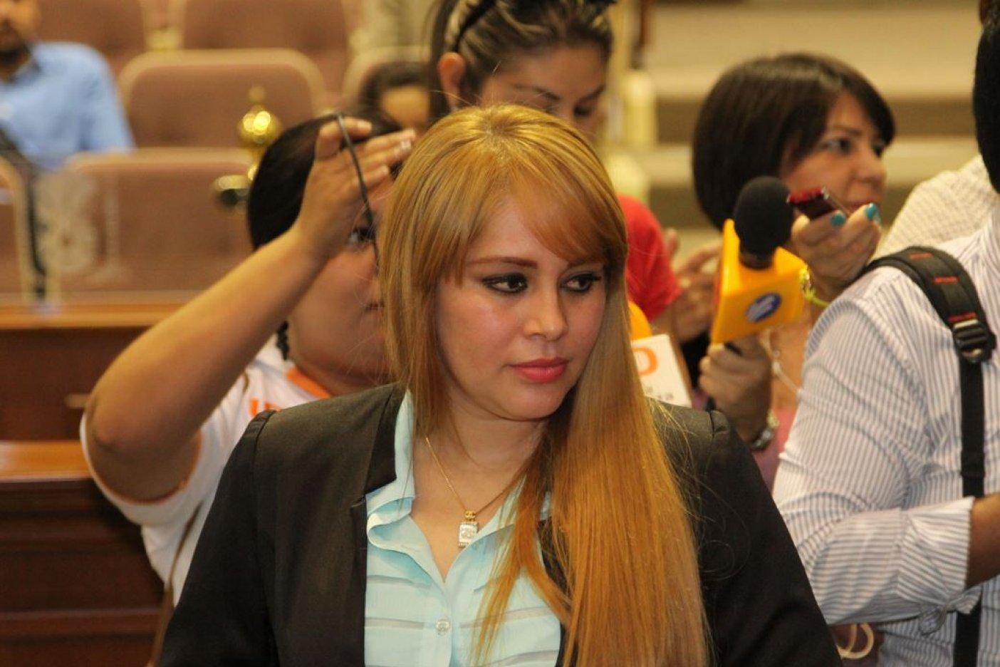 Detienen en San Diego, a la ex diputada Lucero Sánchez