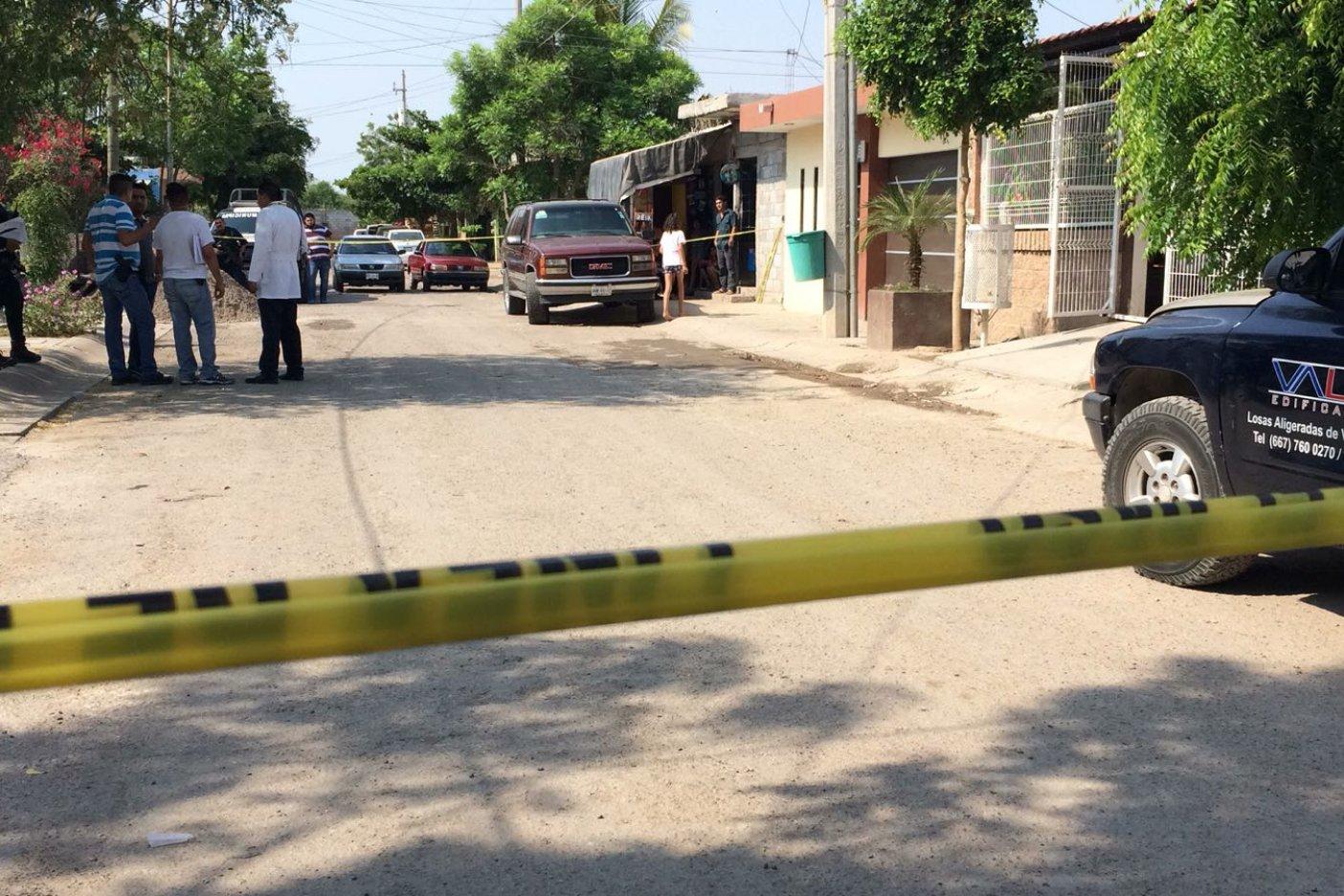 Asesinan a puñaladas a madre e hijo en Santa Rocío