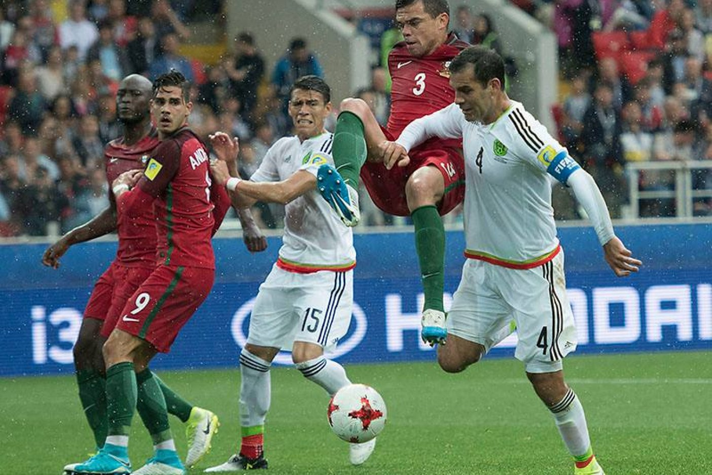Ronaldo presentará el trofeo en la final de Copa Confederaciones