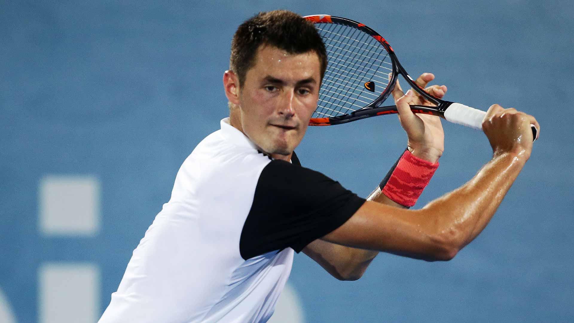 Marca deportiva rompe con tenista australiano tras polémicas declaraciones