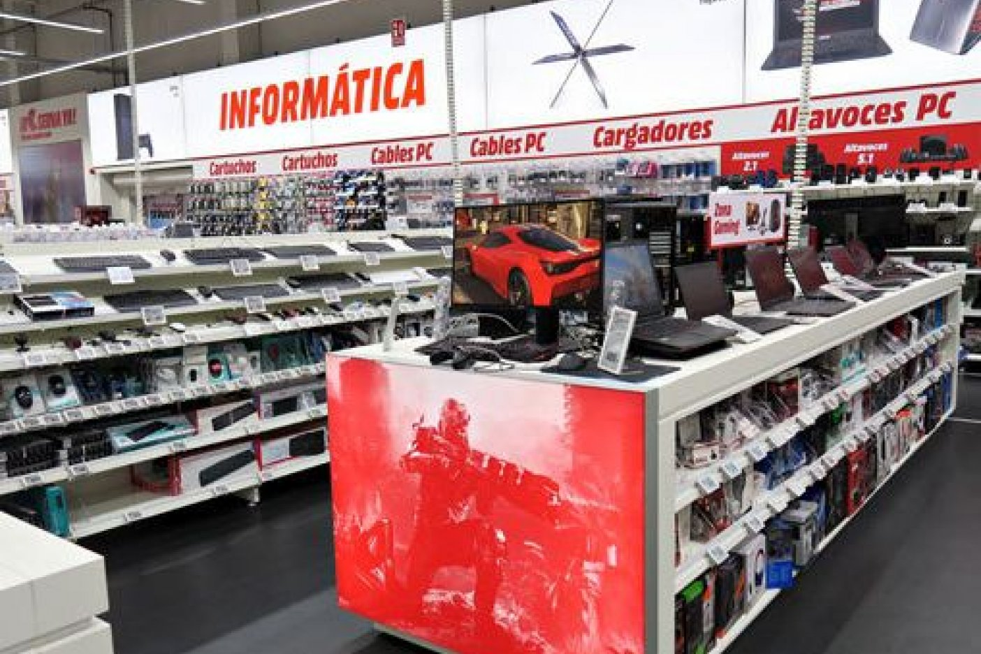 El consumo privado crece 5% en abril