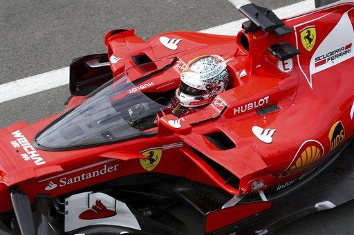Vettel prueba la nueva protección de la cabina del piloto
