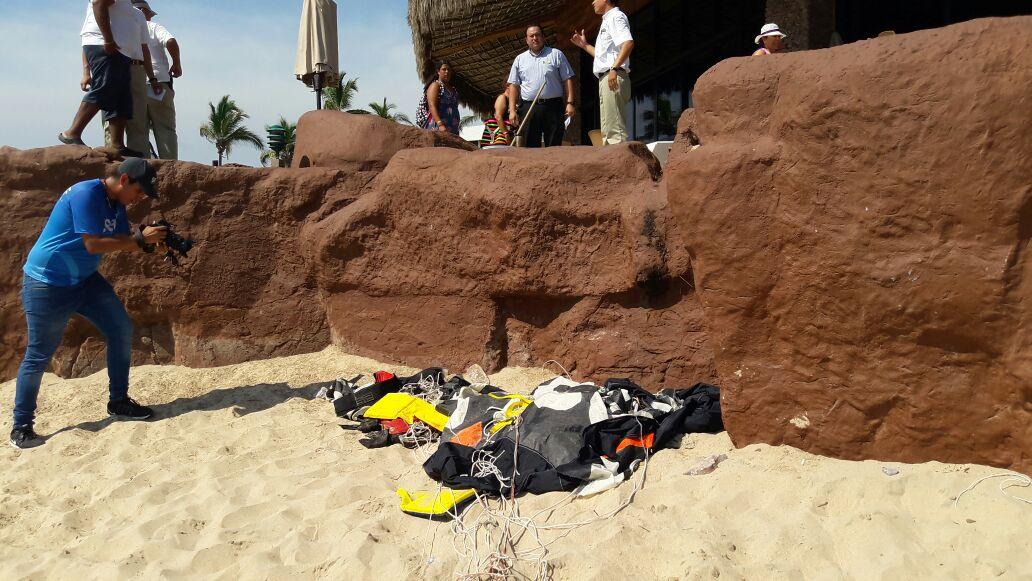 Muere menor en Mazatlán al caer de un paracaídas