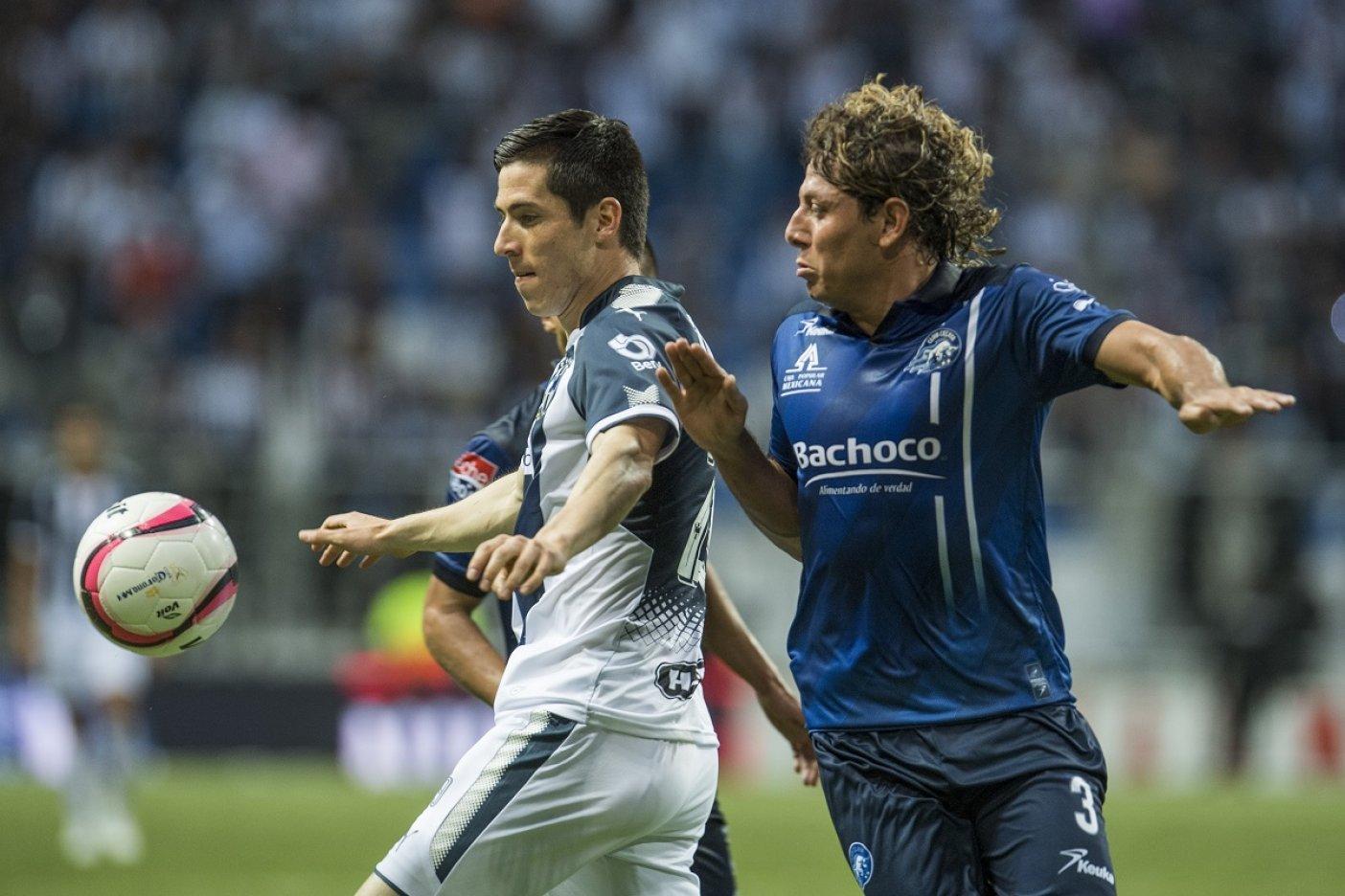 Chivas llega a Monterrey presumiendo campeonato