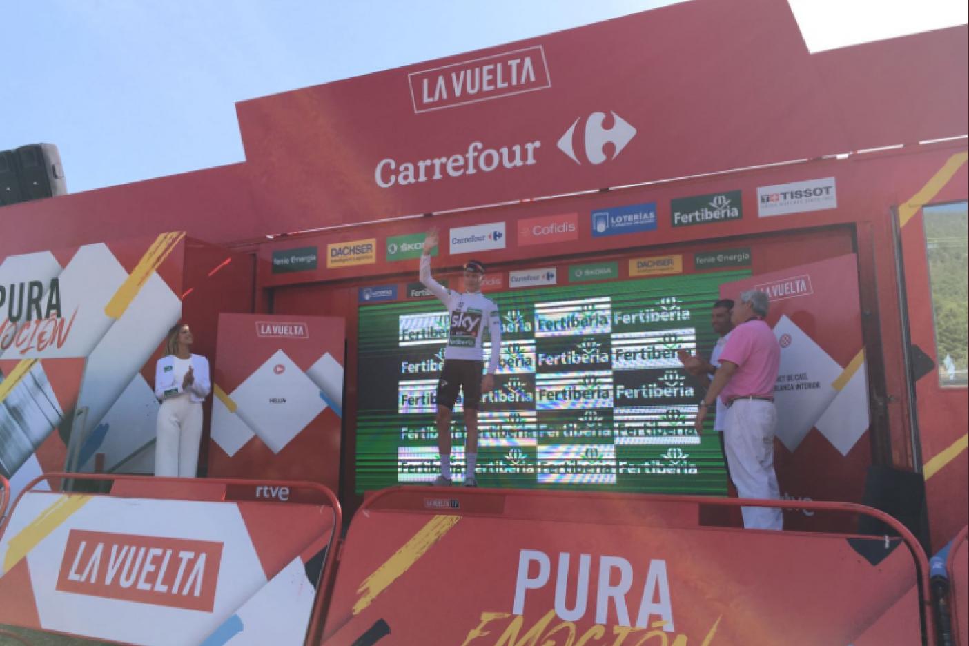 Froome sigue en la cima de la Vuelta, Chaves se acerca
