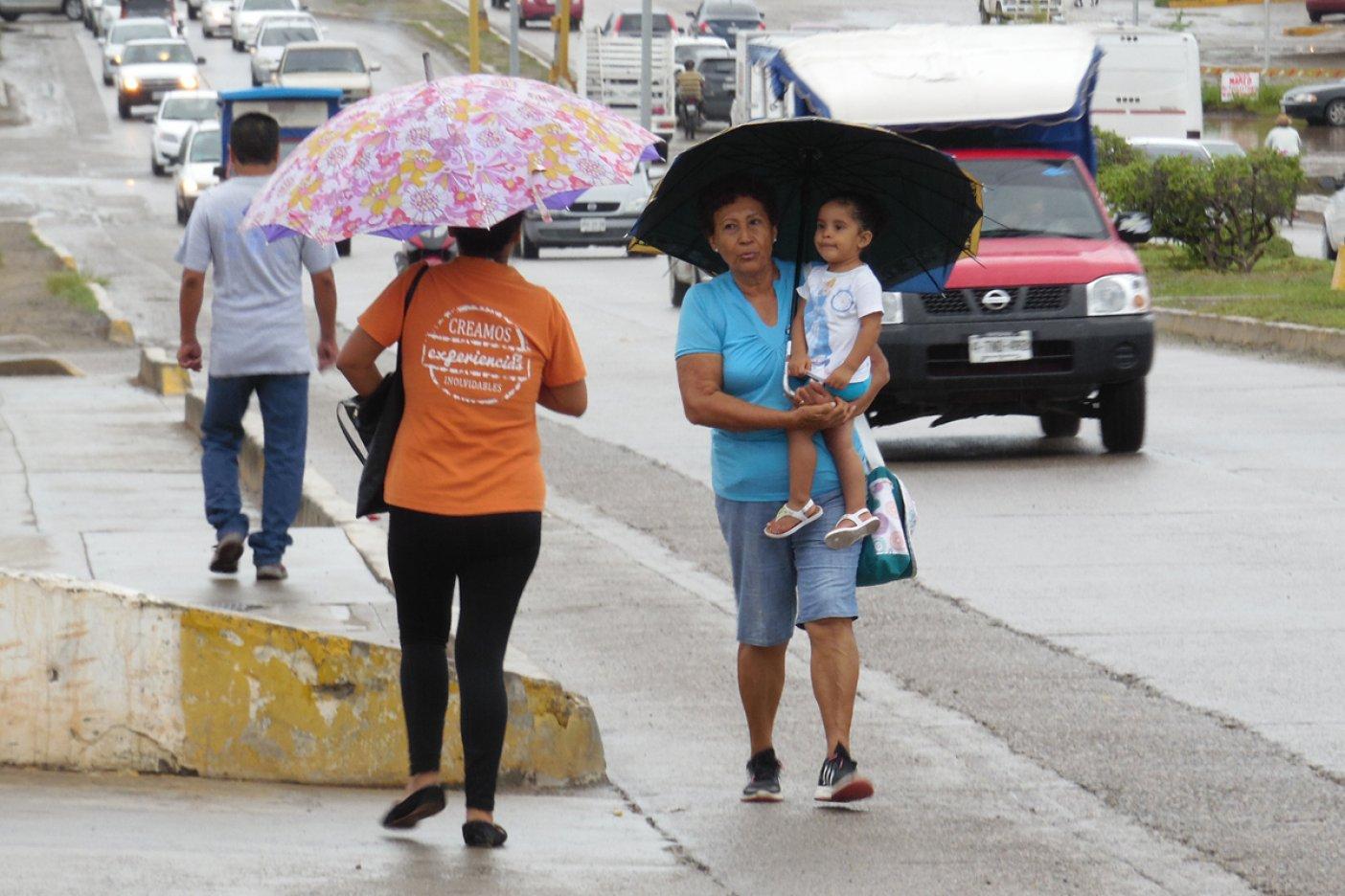 Fuertes lluvias afectan estados de México