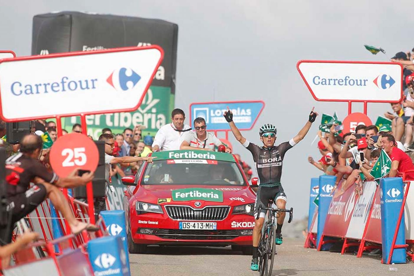 Ciclista polaco Majka domina decimocuarta etapa de Vuelta a España