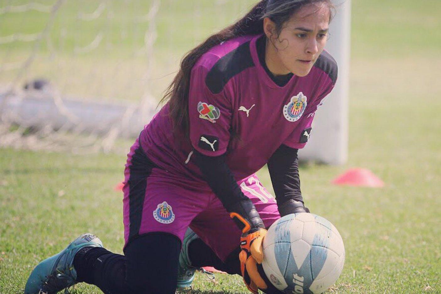 Santos Femenil goleado por Chivas