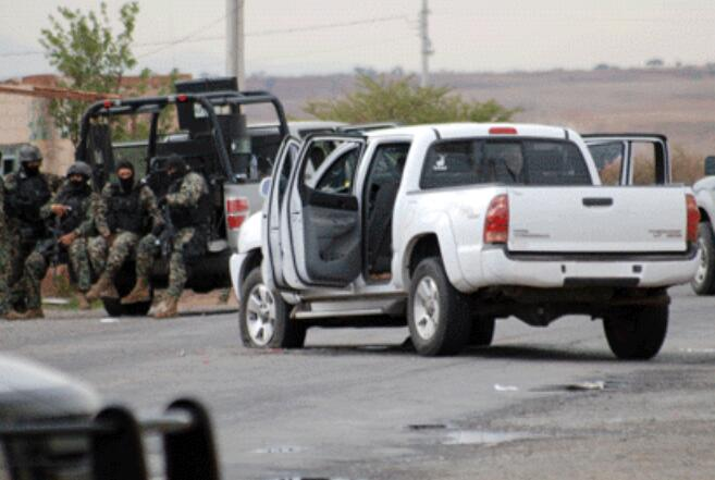 Marinos abaten a dos sicarios en Sinaloa