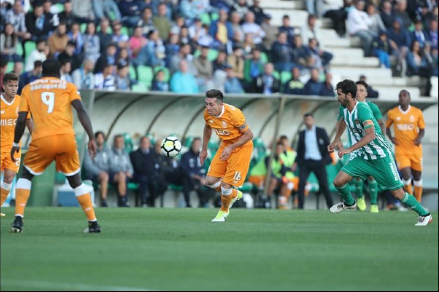Porto y Héctor Herrera vuelven a la cima de Portugal