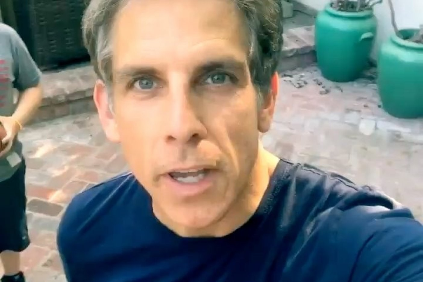 Ben Stiller apoya iniciativa de Juanpa Zurita para ayudar por sismo
