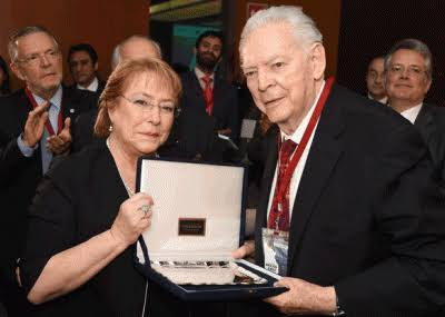 Fallece Gonzalo Martínez Corbalá, diplomático mexicano