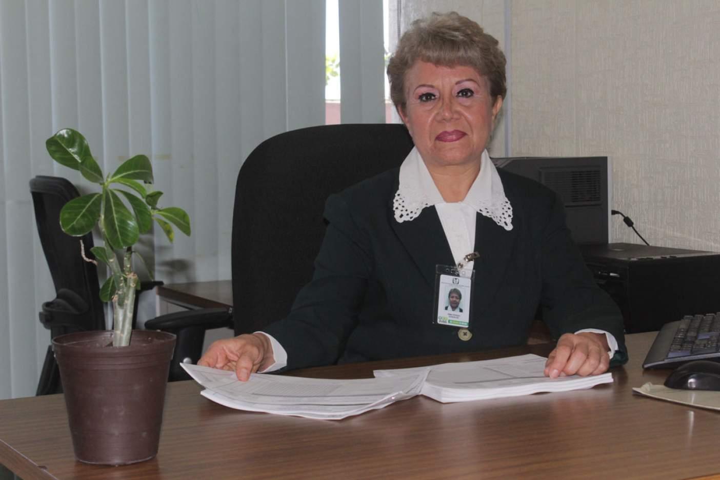 Funcionarios e instituciones felicitan a enfermeros en su día