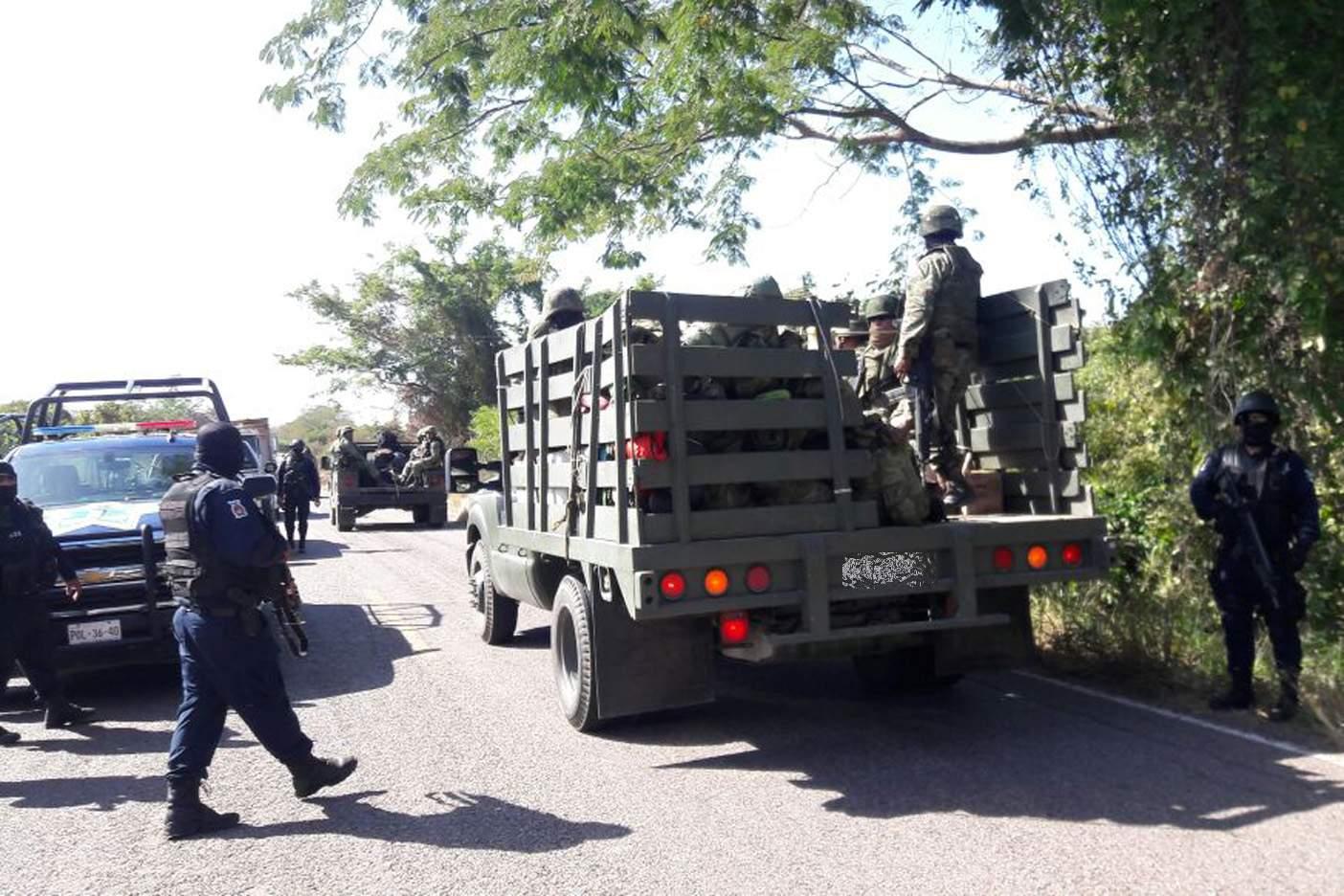 Hallan en fosa clandestina a mando policíaco de Sinaloa