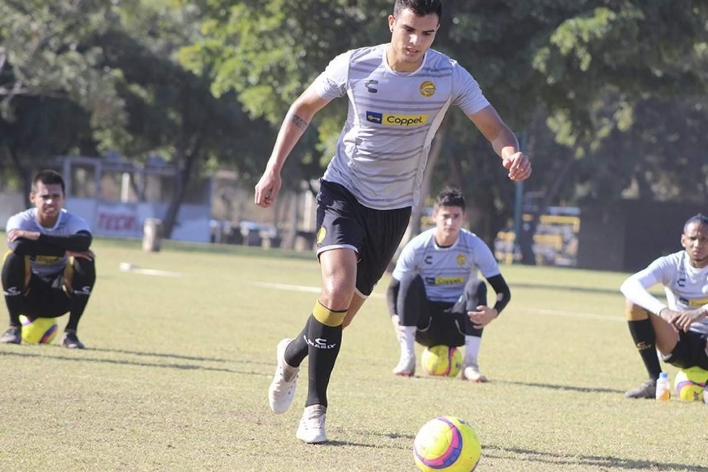 (VIDEO) Con golazo de Walter Chalá, Correcaminos avanza en la Copa MX