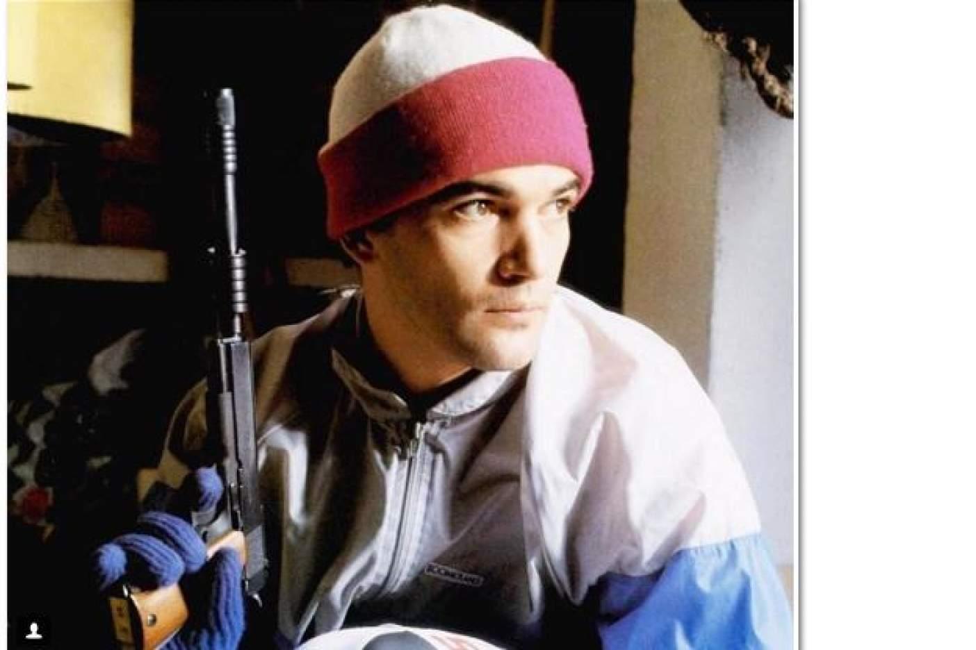 La polémica foto de Antonio Banderas durante el tiroteo en Florida