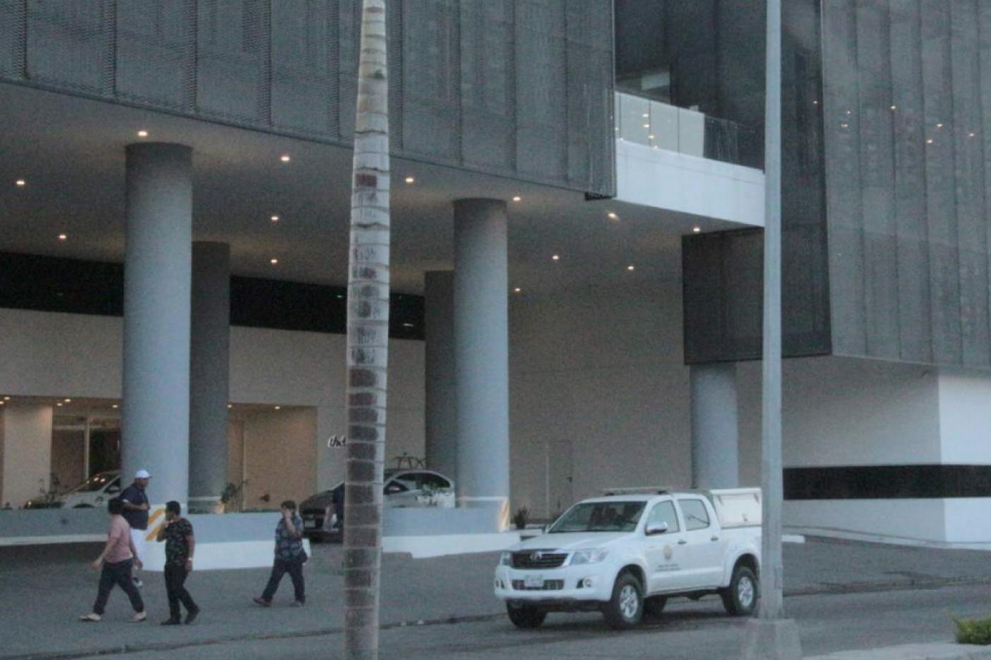 Encuentran a estadounidenses sin vida en hotel de Mazatlán