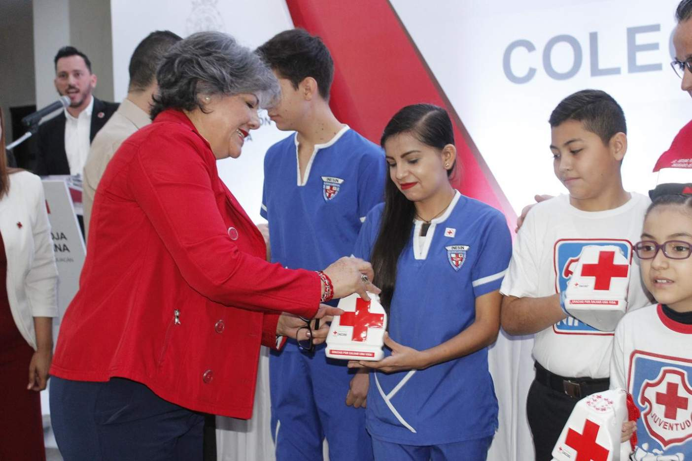 Encabeza el alcalde la colecta anual de la Cruz Roja Mexicana