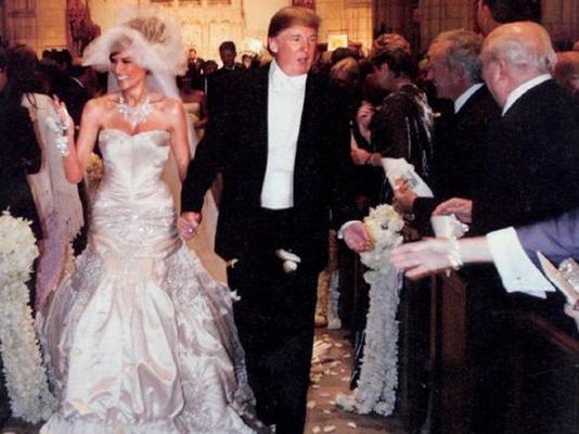 Revelan incómodo momento entre Donald Trump y su esposa durante investidura